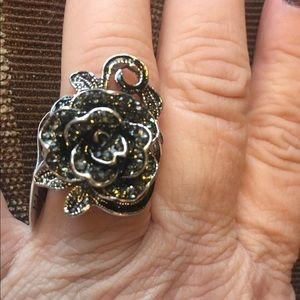 Jewelry - Black rose ring.